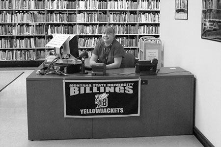 A PHOTO OF THE LIBRARY HELP DESK